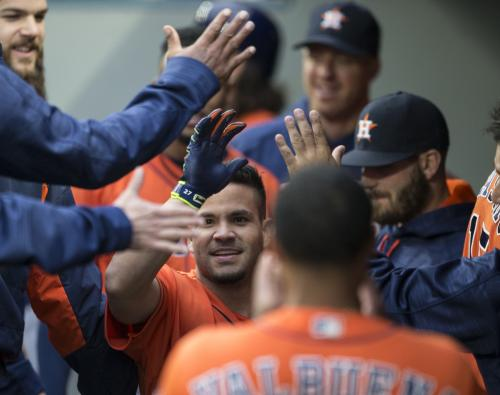 Altuve Homer Leads Astros To 7-4 Win