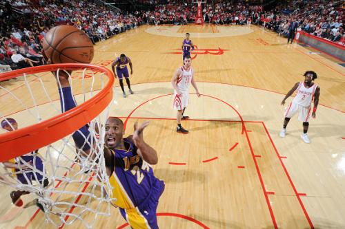 Kobe Drops 35 In Houston Farewell, But Rockets Down Lakers To Stay In Playoff Hunt